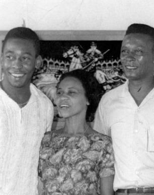 Pelé and his parents